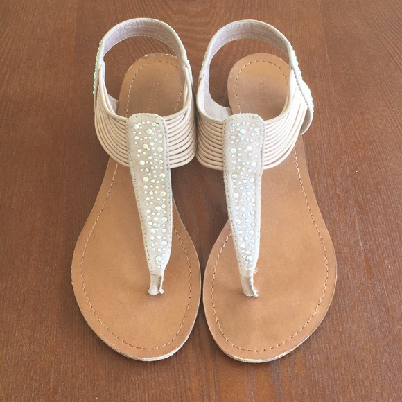 22d8a08b123 Steve Madden girl rhinestone tandumm thong sandals